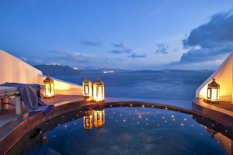 Santorini, Andronis Suites